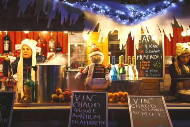 Eurostar-Christmas--crop-Br